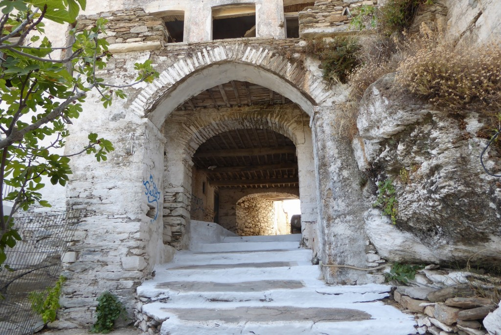 Entrance to the Kastro of Medieval Ioulis
