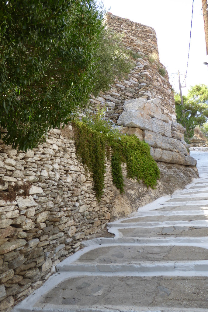 The walls of Ancient Ioulis